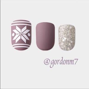 NEW imPRESS Snowflake & Glitter Press-on Nails